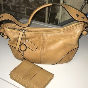 Authentic New Tan Hobo purse w Wallet
